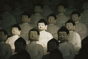 buddha-statues-gray_59996_600x450